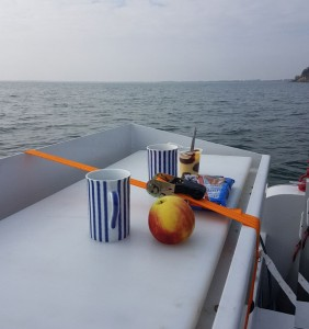 Frühstück auf dem Angelboot