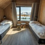 Risøyhamn Sjøhus Schlafzimmer mit Ausblick